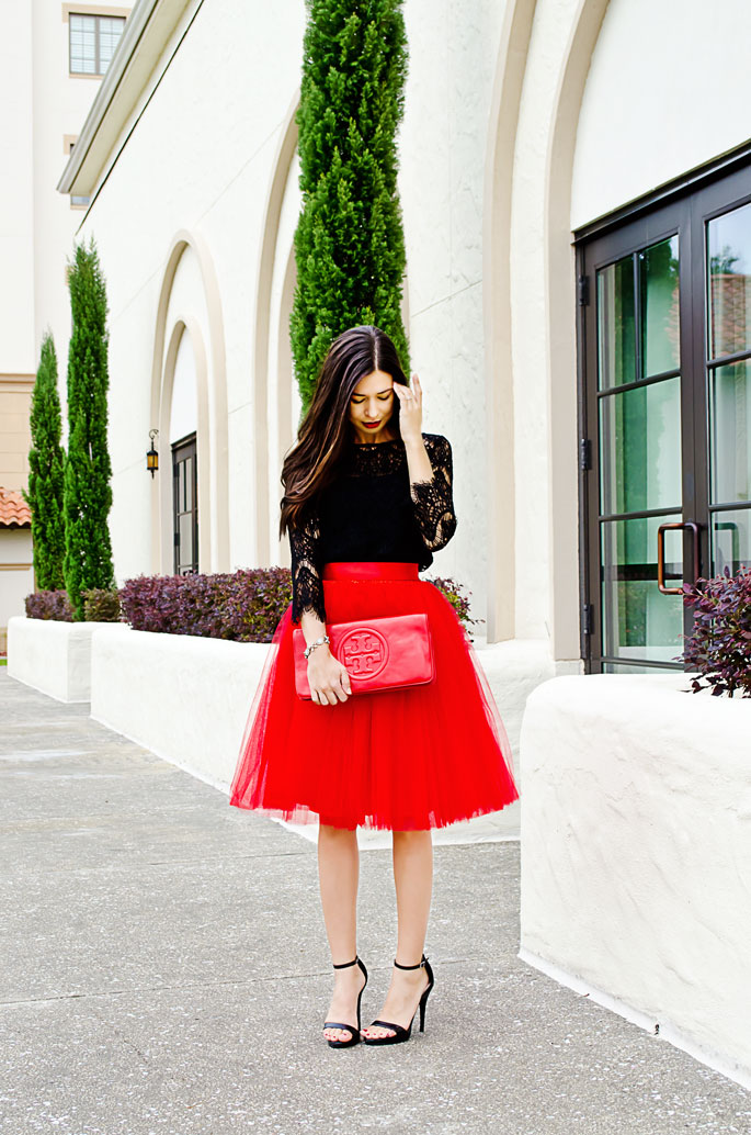 8c6f51a1ac1 How to wear a tulle skirt and How to dress for a holiday party ...