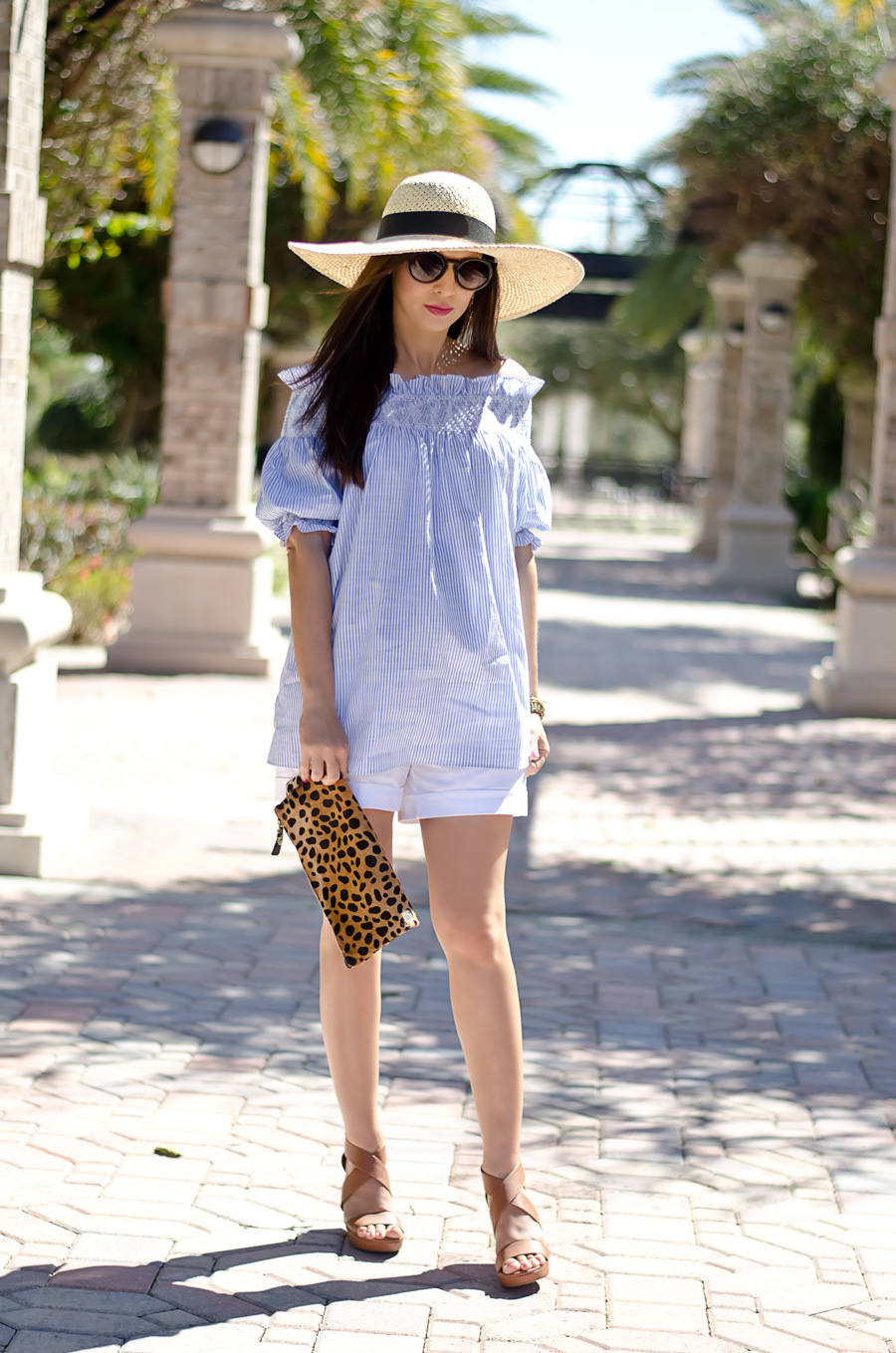 ae6bdc13ad8 spring-summer-maternity-style-chicwish-tunic-with-white-maternity-shorts-2