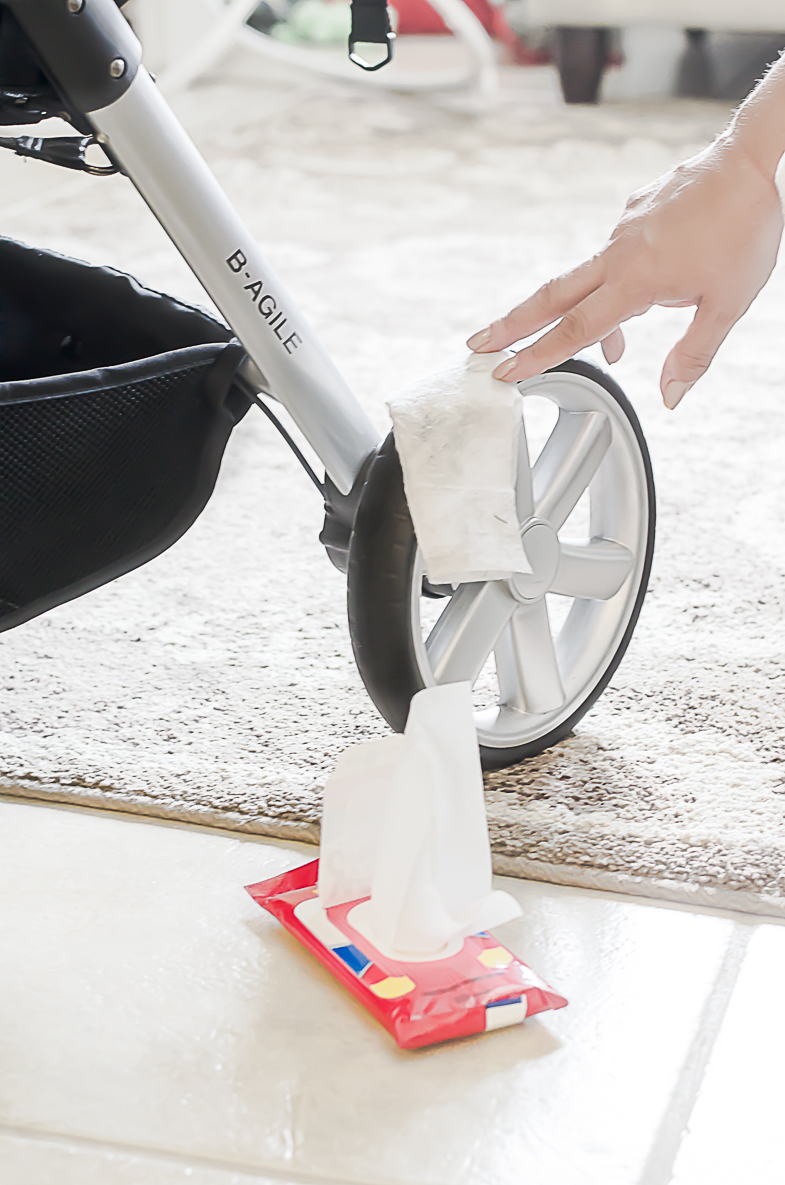 Perfectly Clean Floors and Surfaces with Hand Wipes